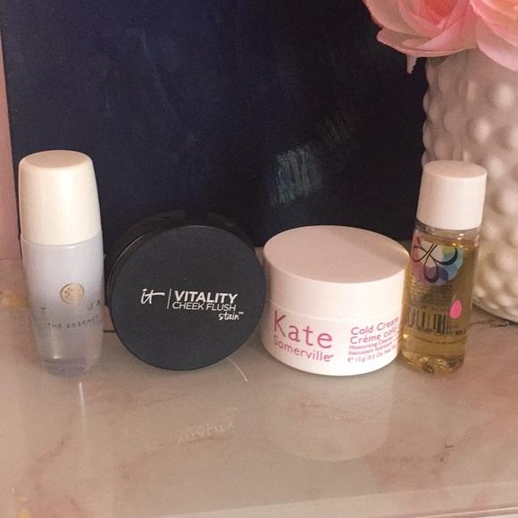 Makeup Go set